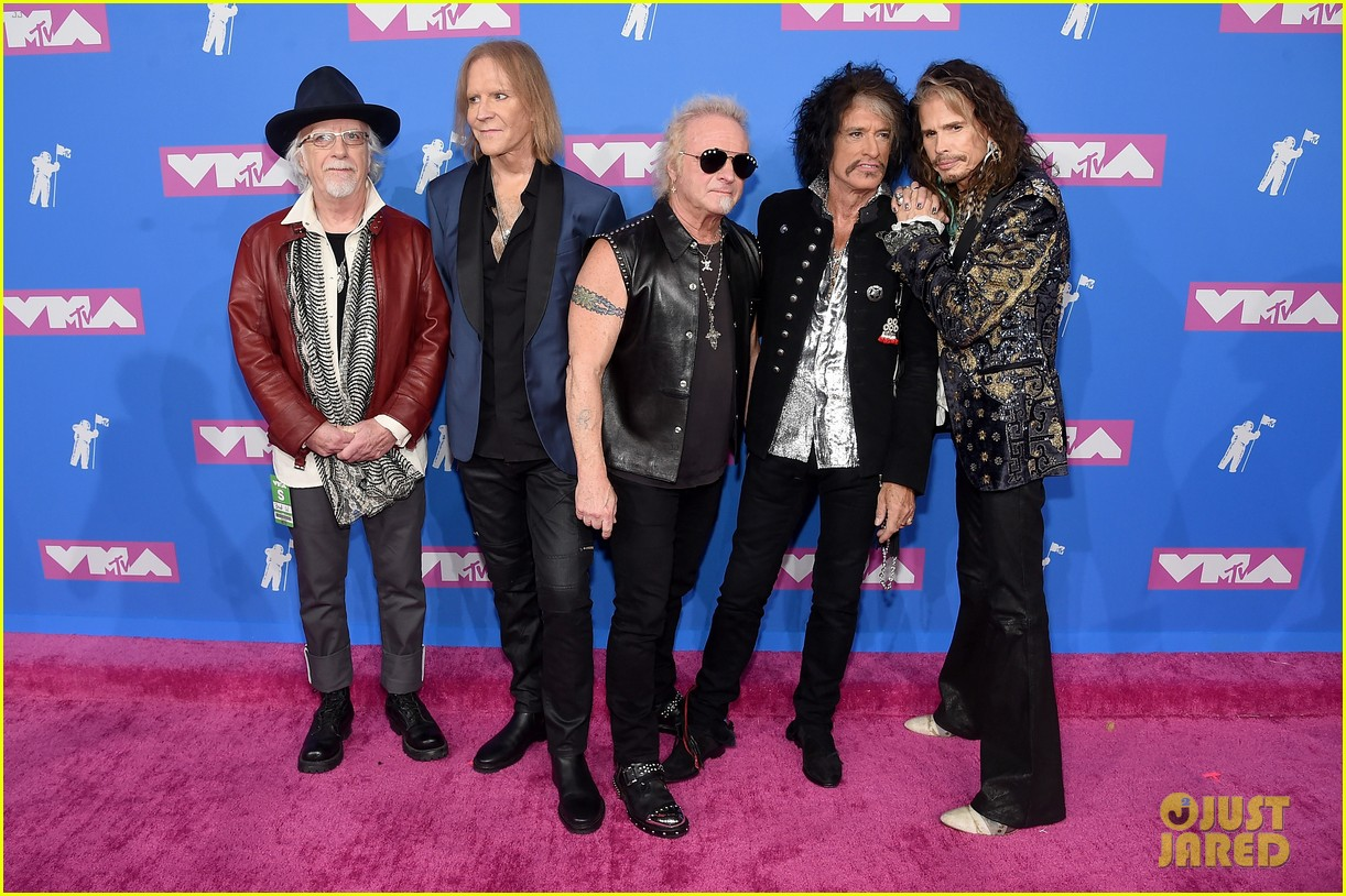 aerosmith hits mtv vmas 2018 red carpet ahead of performance 014131774