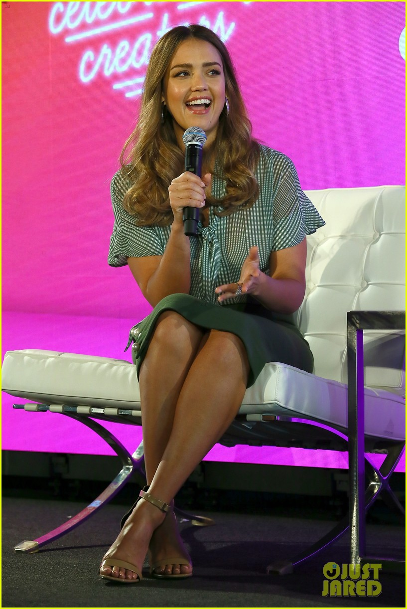 jessica alba joins uzo aduba at blogher summit in nyc 014127047