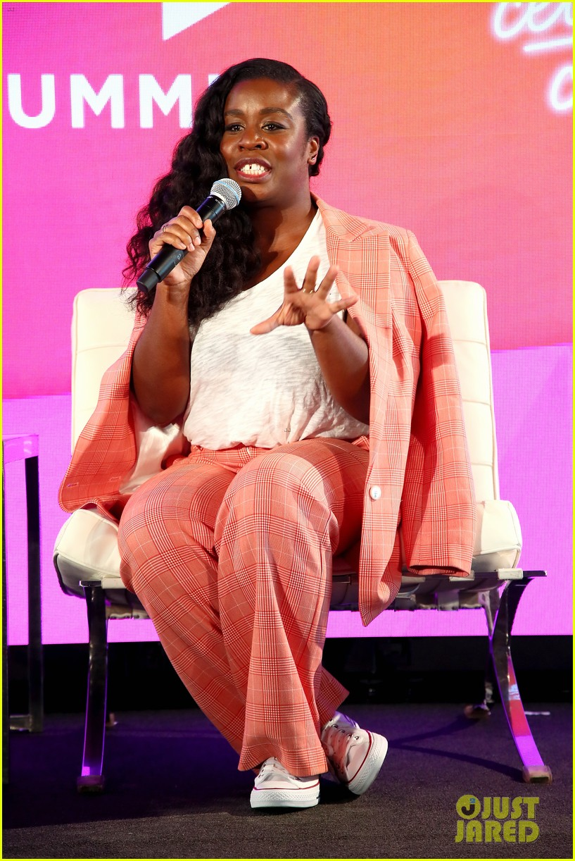 jessica alba joins uzo aduba at blogher summit in nyc 024127048