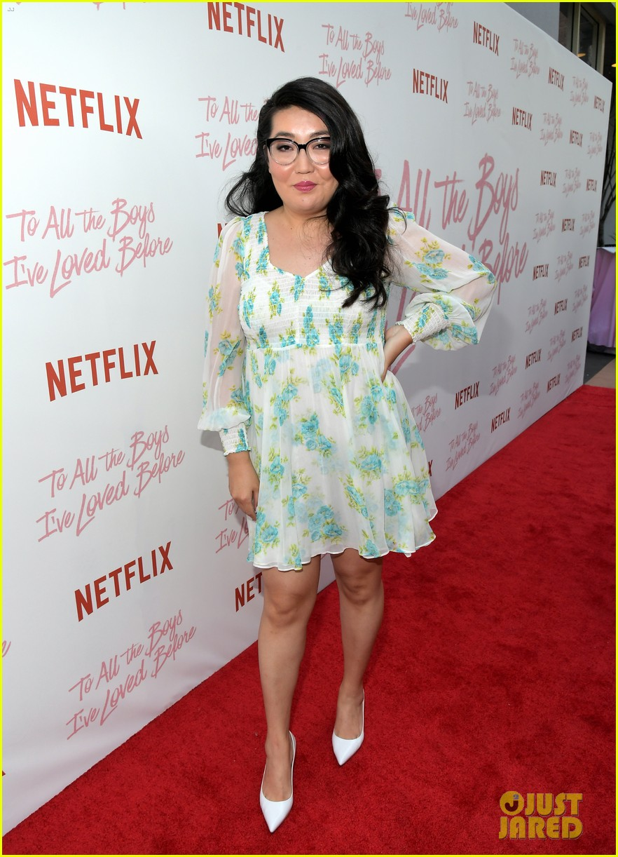 netflixs to all the boys ive loved before cast attends premiere 084130283
