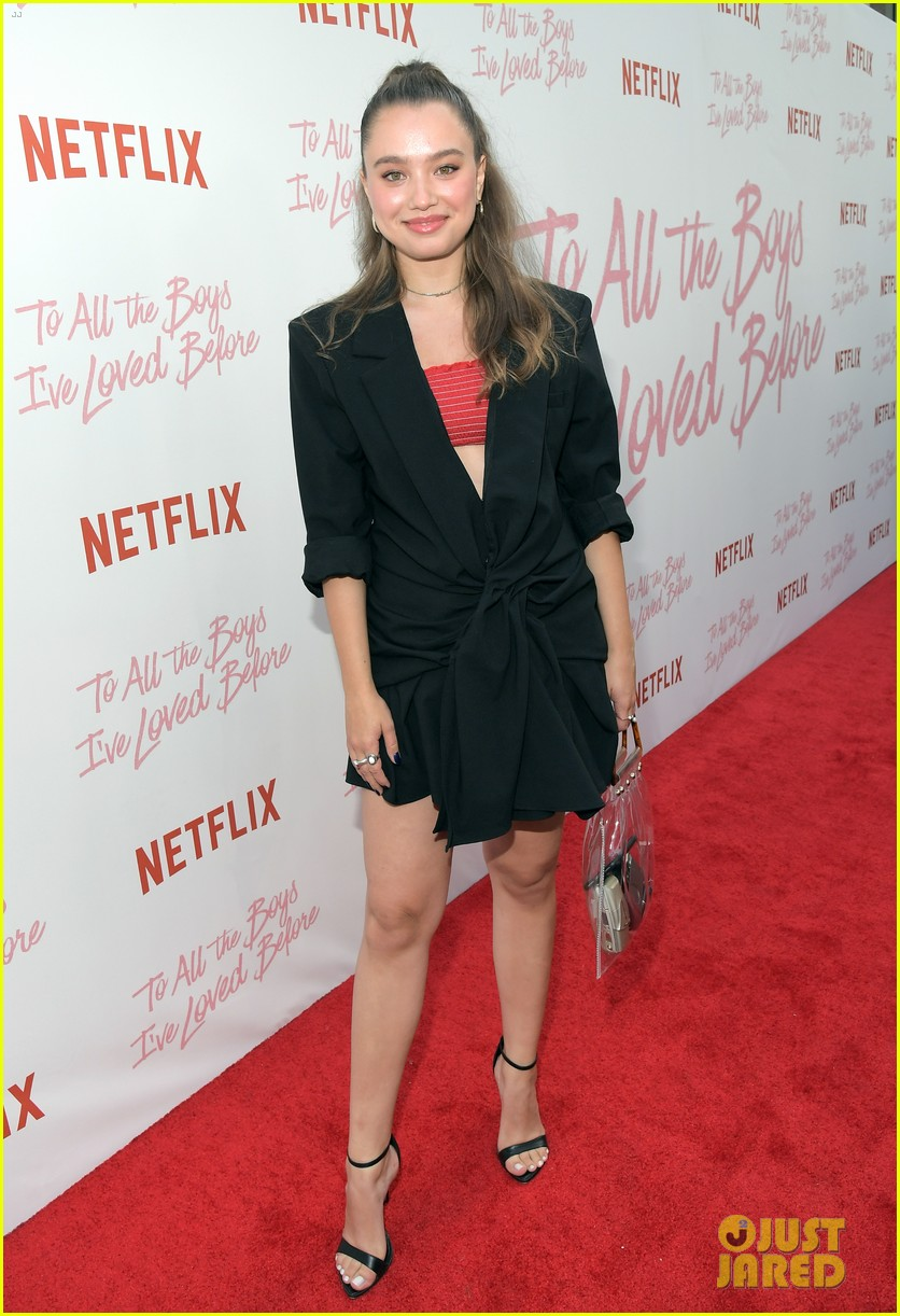 netflixs to all the boys ive loved before cast attends premiere 094130284