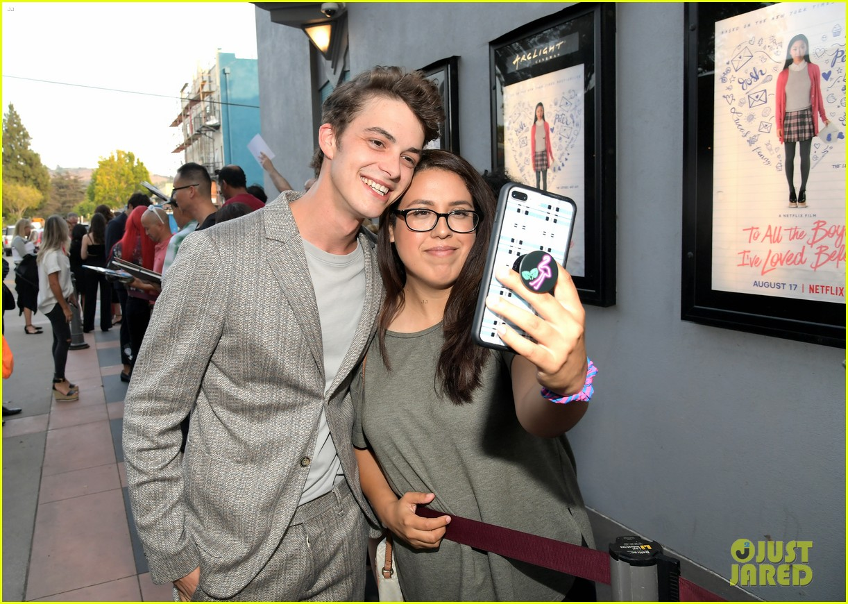 netflixs to all the boys ive loved before cast attends premiere 164130291
