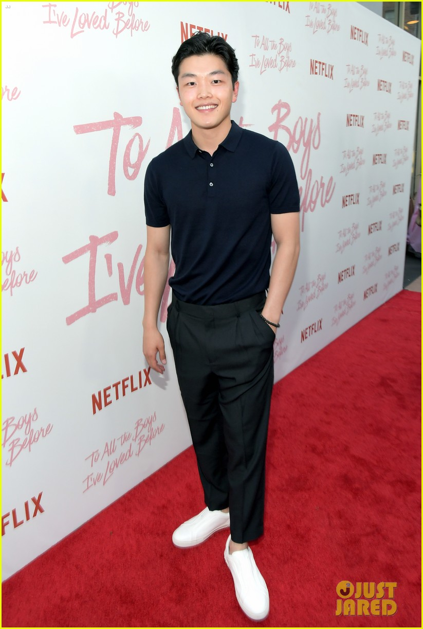 netflixs to all the boys ive loved before cast attends premiere 184130293