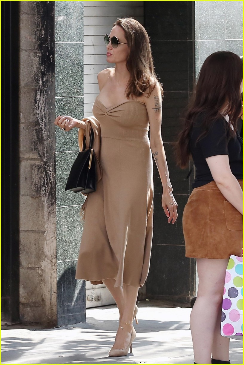 Angelina Jolie Steps Out For Lunch With Son Pax In LA Photo 4134705 Angelina Jolie Pictures