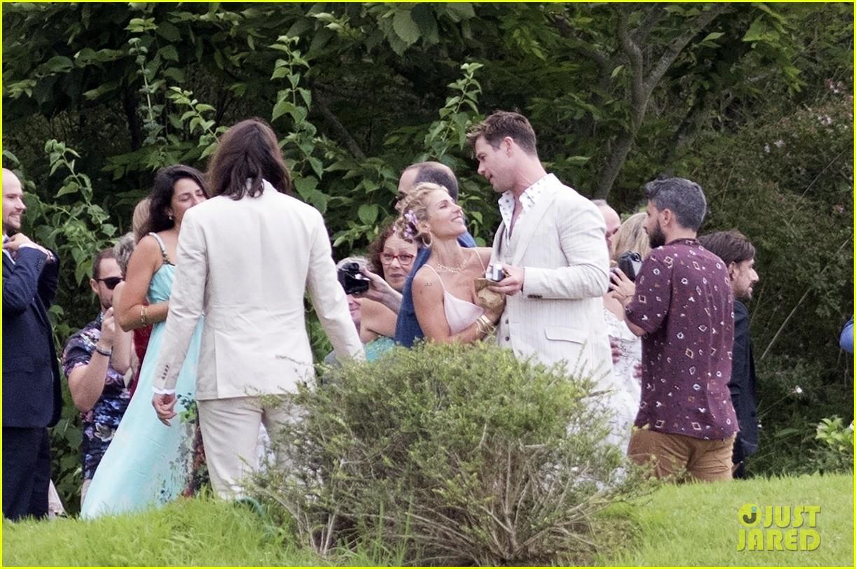 Chris Hemsworth & Elsa Pataky Feel The Love At Elsa's