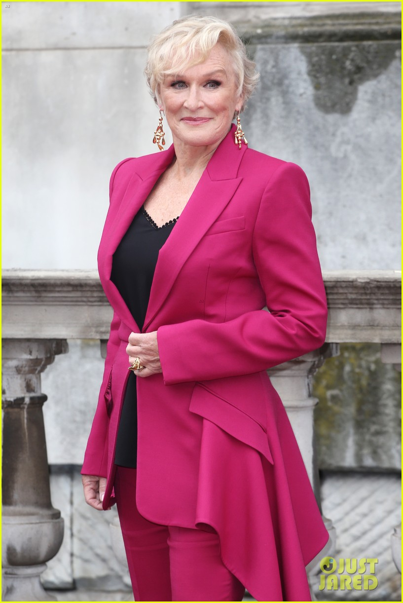 glenn close stuns in pink suit at the wife premiere in london 054127035