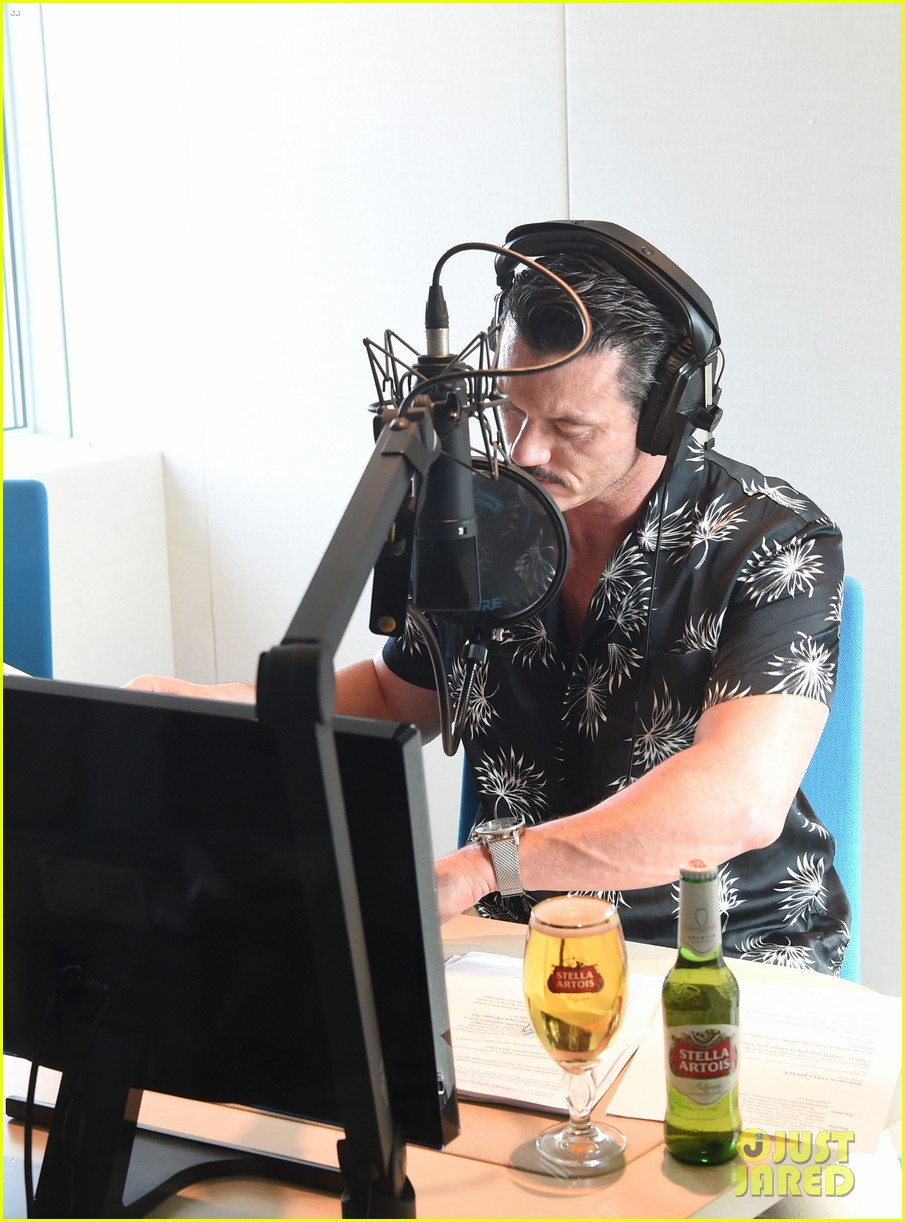 luke evans presents stellaspace with stella artois 064126276