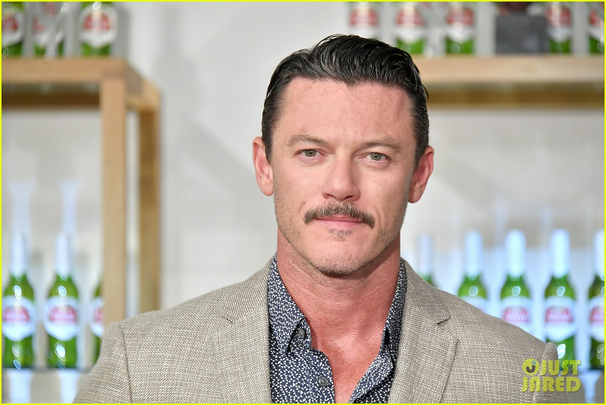 luke evans looks dapper while unveiling stellaspace with stella artois in nyc 084127074