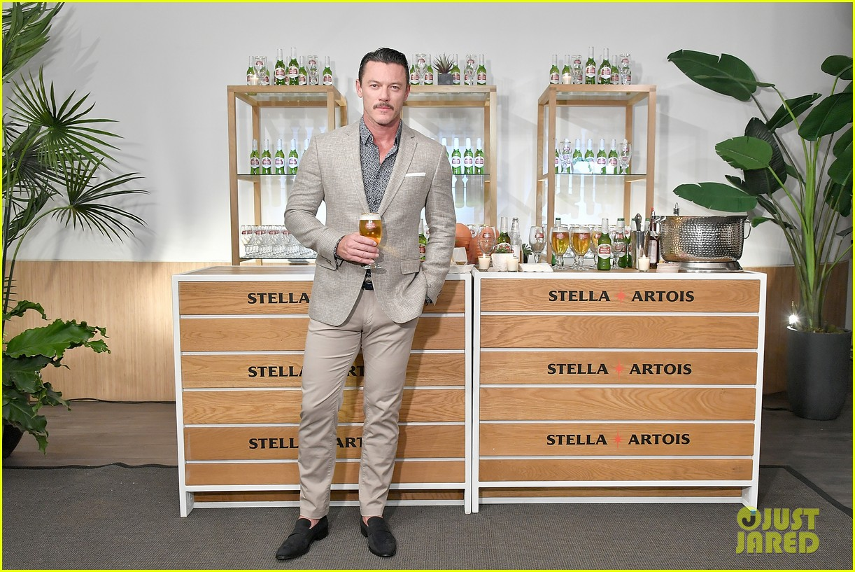 luke evans looks dapper while unveiling stellaspace with stella artois in nyc 104127076