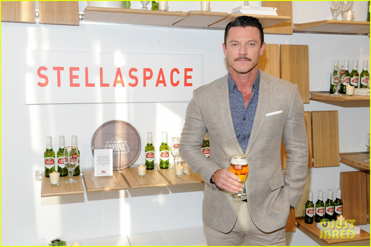 luke evans looks dapper while unveiling stellaspace with stella artois in nyc 134127079