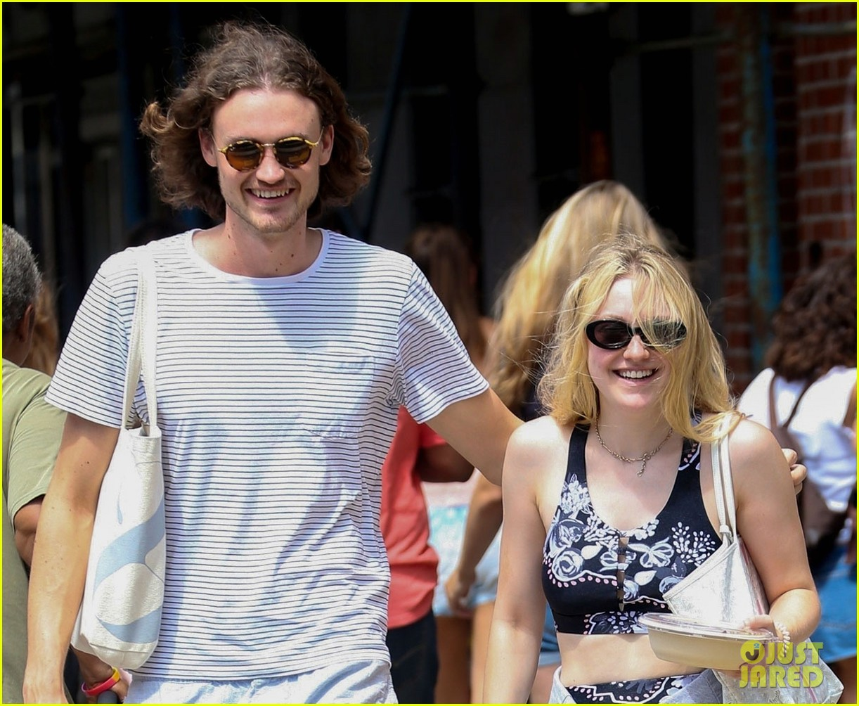 dakota fanning and boyfriend henry frye share a laugh after lunch 034123553