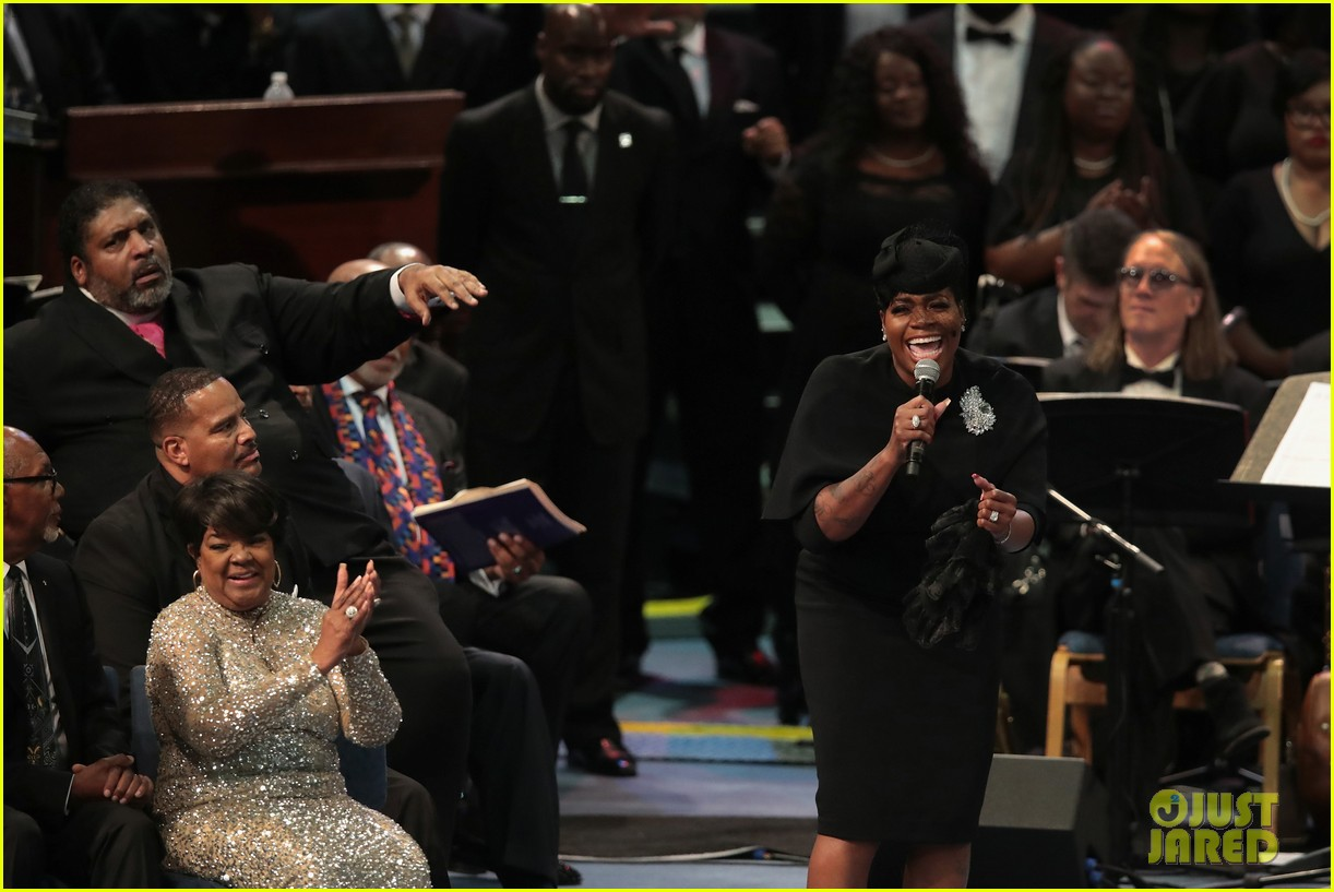 fantasia barrino performs at aretha franklin funeral 03
