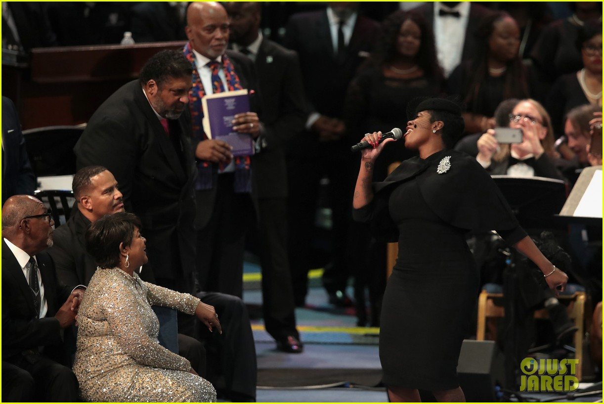 fantasia barrino performs at aretha franklin funeral 05