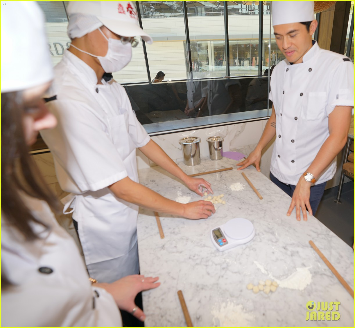 henry golding makes dumplings with just jared 064129227