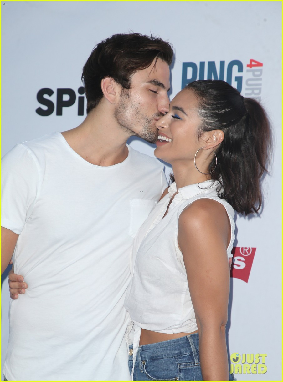 sarah hyland and wells adams couple up at clayton kershaws ping pong purpose event 054134056