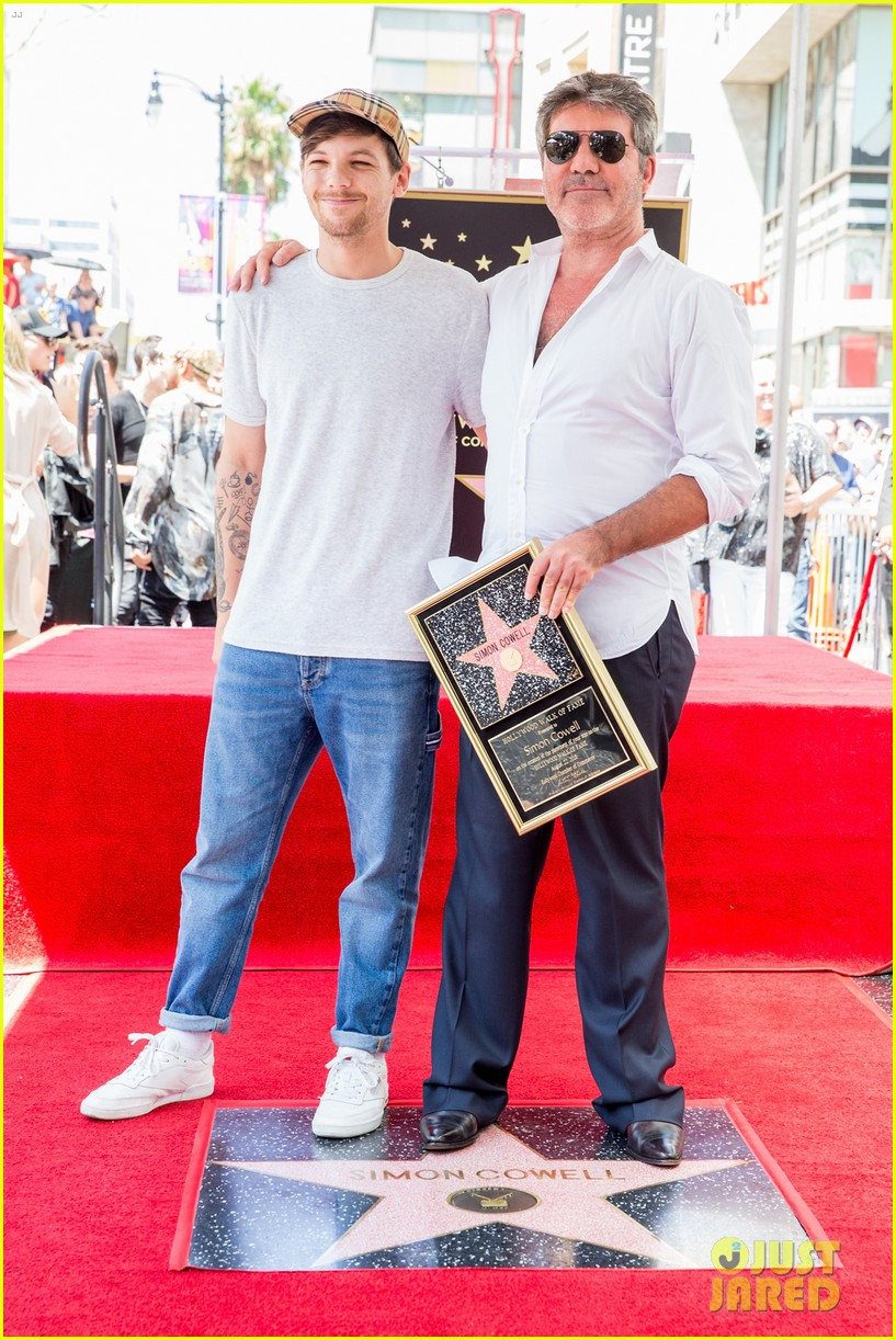 simon cowell american idol alums at hollywood walk of fame ceremony 124133355