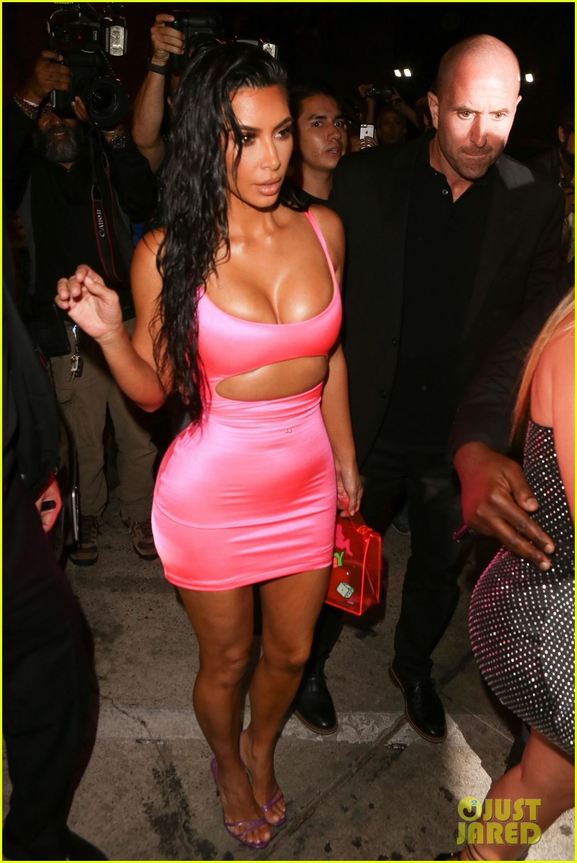 kim kourtney khloe kardashian arrive at kylie jenner 21 birthday party 054127180