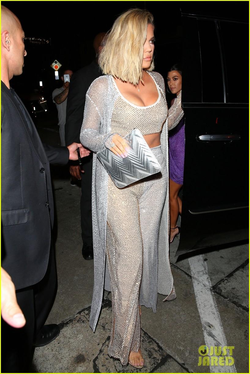 kim kourtney khloe kardashian arrive at kylie jenner 21 birthday party 194127194