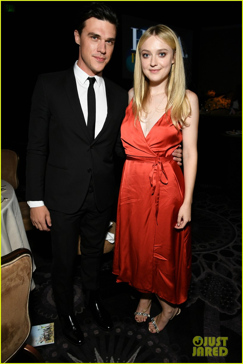 dakota fanning joins joey king laura harrier at hfpa banquet 114127249