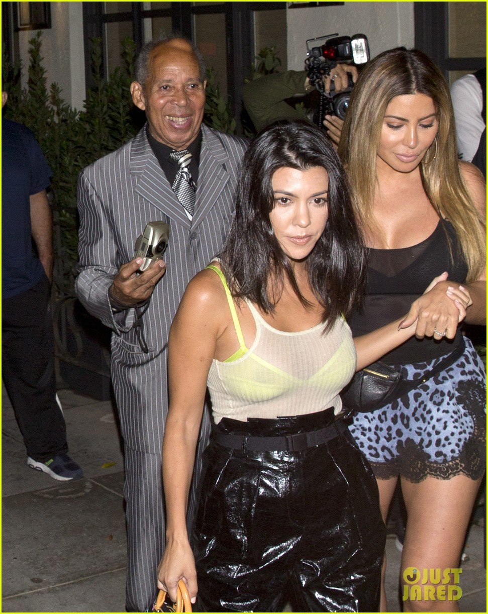 kourtney kardashian dines out larsa pippen 034126733
