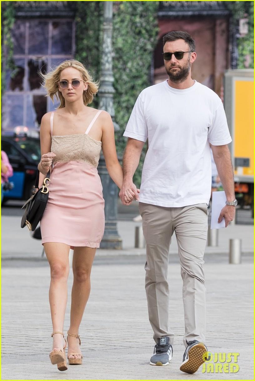 Jennifer Lawrence & Cooke Maroney Hold Hands in Paris ...