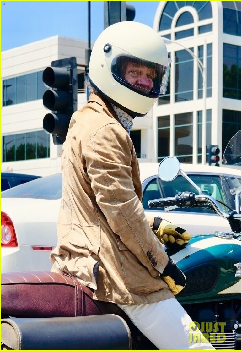 william h macy goes for motorcycle ride in la 014129580
