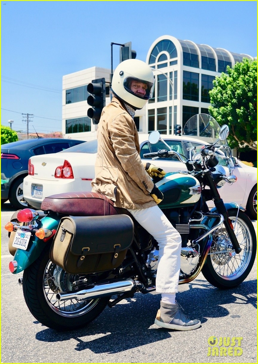 william h macy goes for motorcycle ride in la 024129581