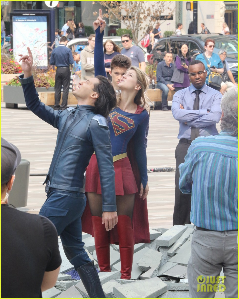 melissa benoist jesse rath supergirl scenes 014128473