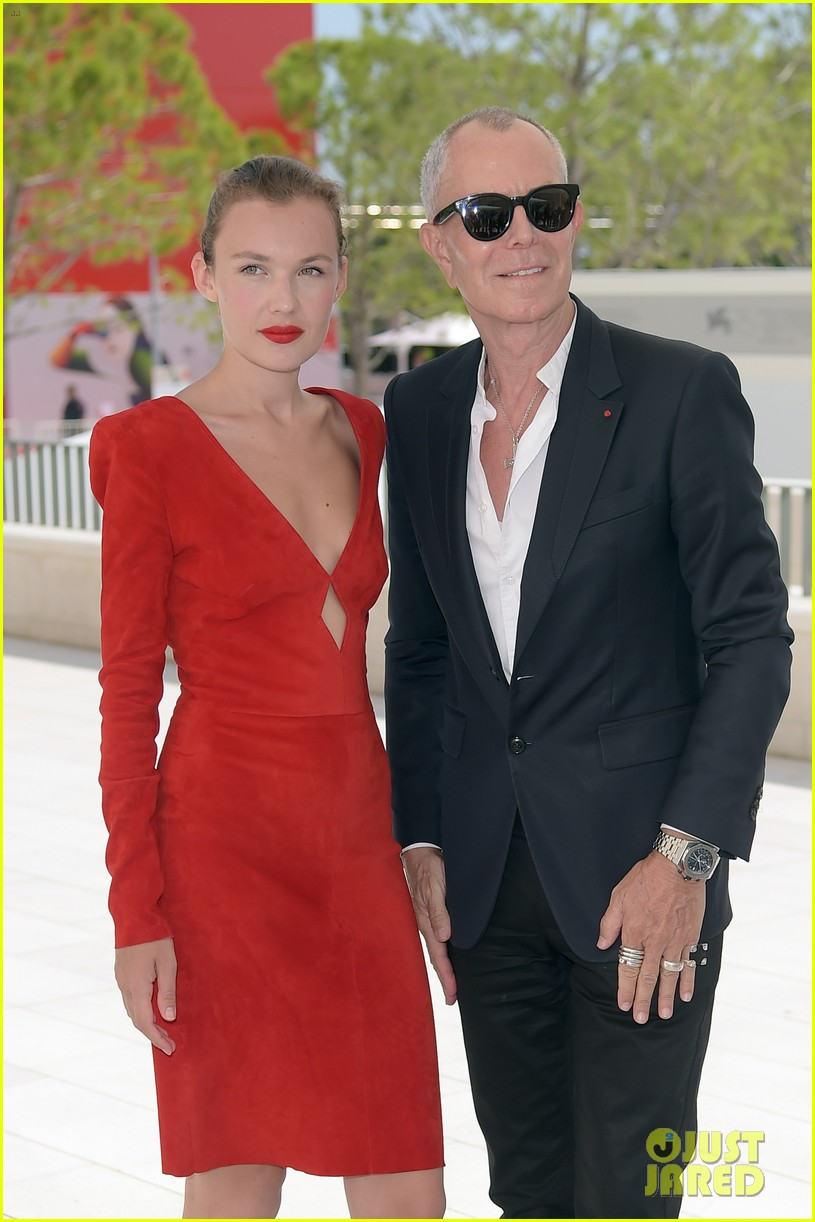 jonathan rhys meyers joins the aspern papers cast at venice film festival 02