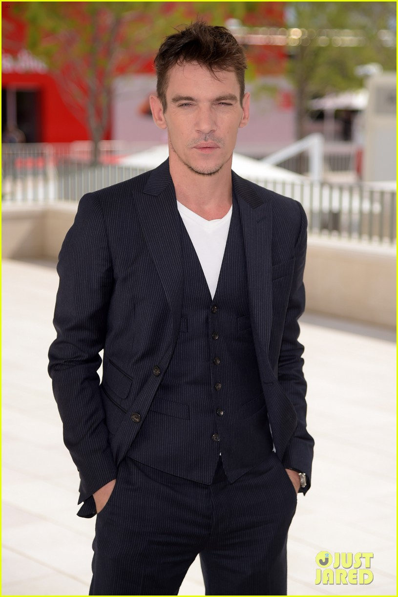 jonathan rhys meyers joins the aspern papers cast at venice film festival 03