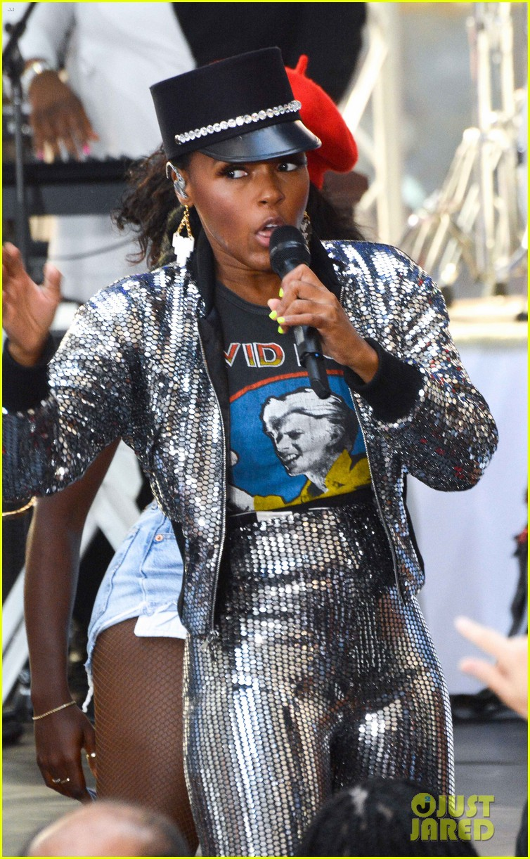 janelle monae facetimes a fans deployed father at today show concert 034133899