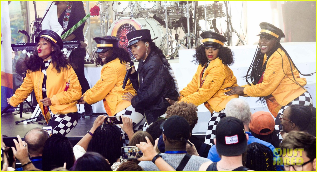 janelle monae facetimes a fans deployed father at today show concert 044133900