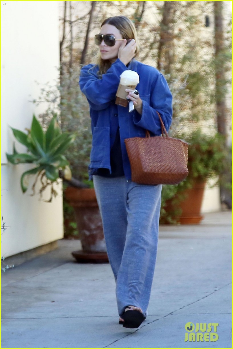 ashley olsen steps out for coffee in brentwood 044136242