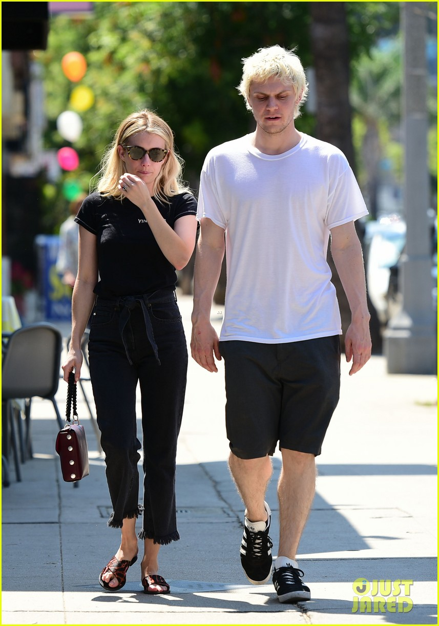 emma roberts evan peters couple up for afternoon date 114124587