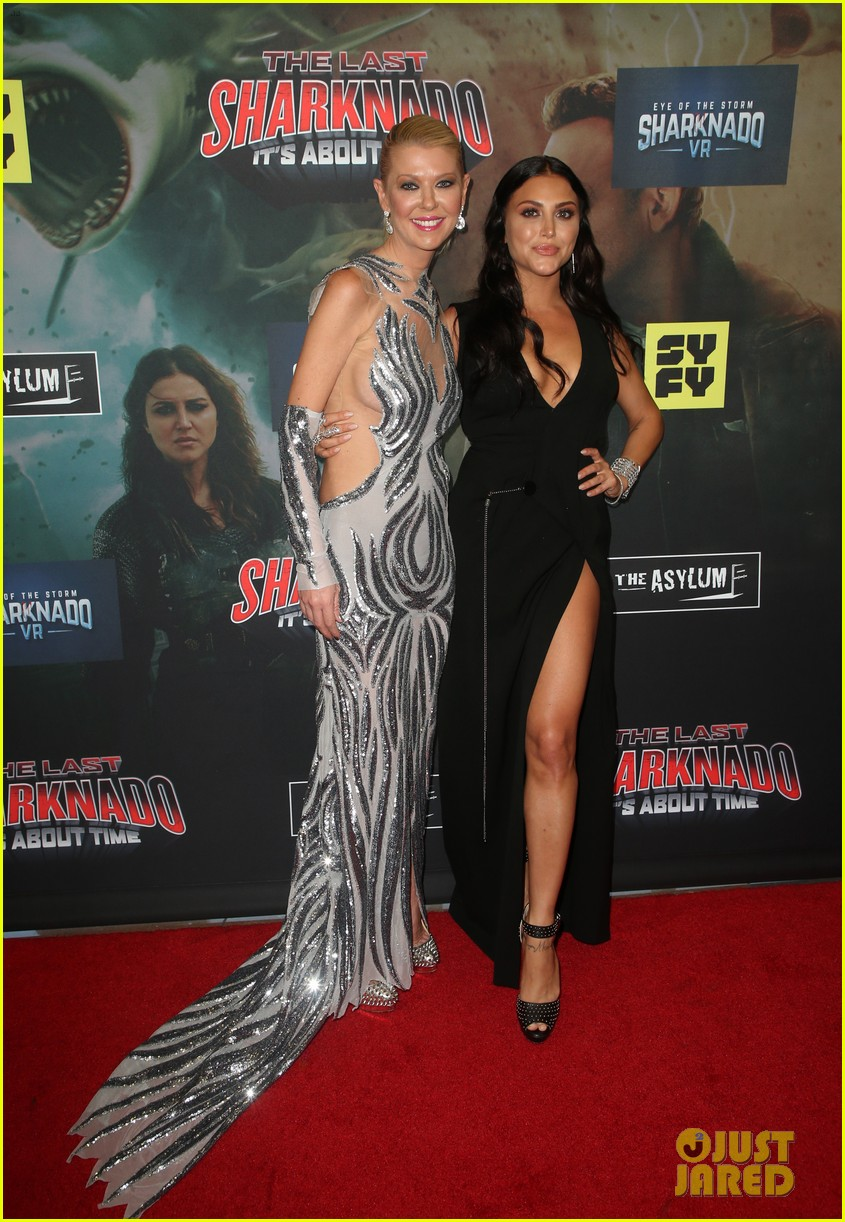 tara reid ian ziering hit red carpet for the last sharknado its about time premiere 014131135
