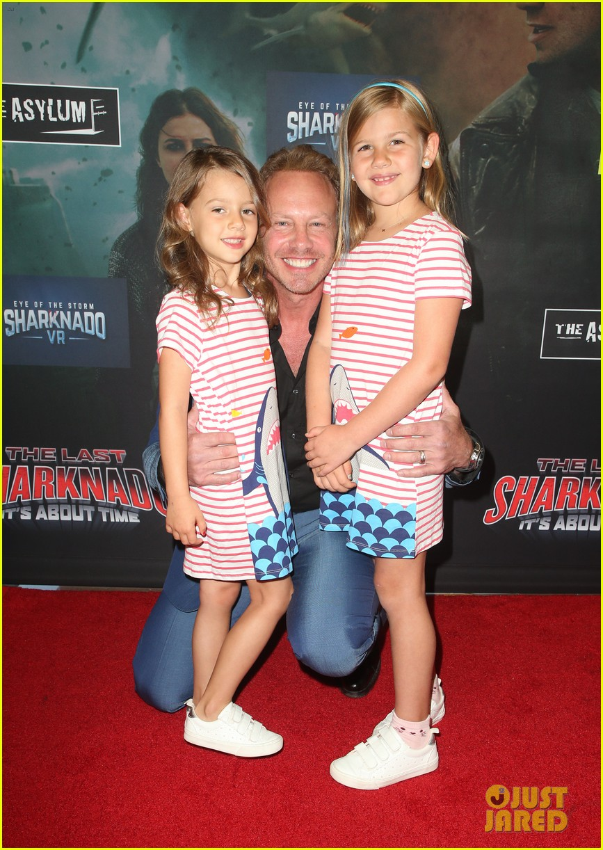 tara reid ian ziering hit red carpet for the last sharknado its about time premiere 034131137