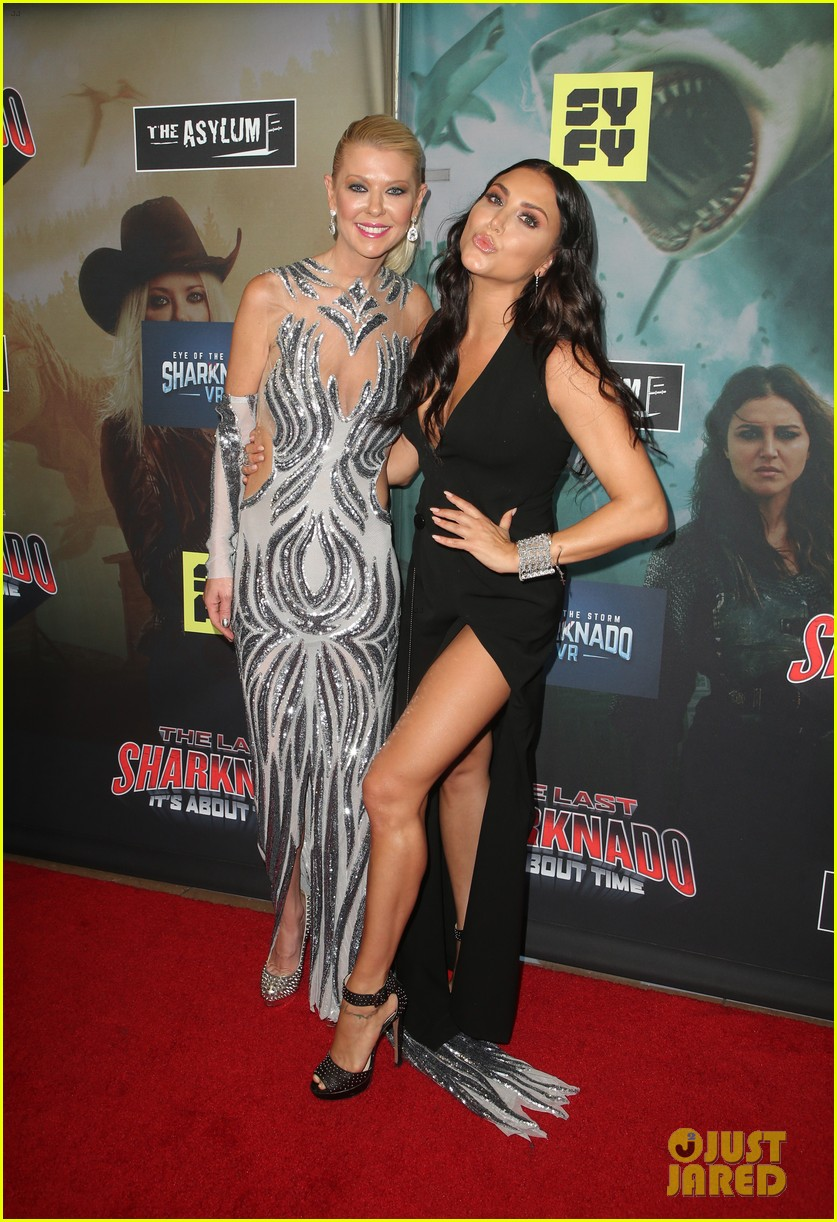 tara reid ian ziering hit red carpet for the last sharknado its about time premiere 104131144