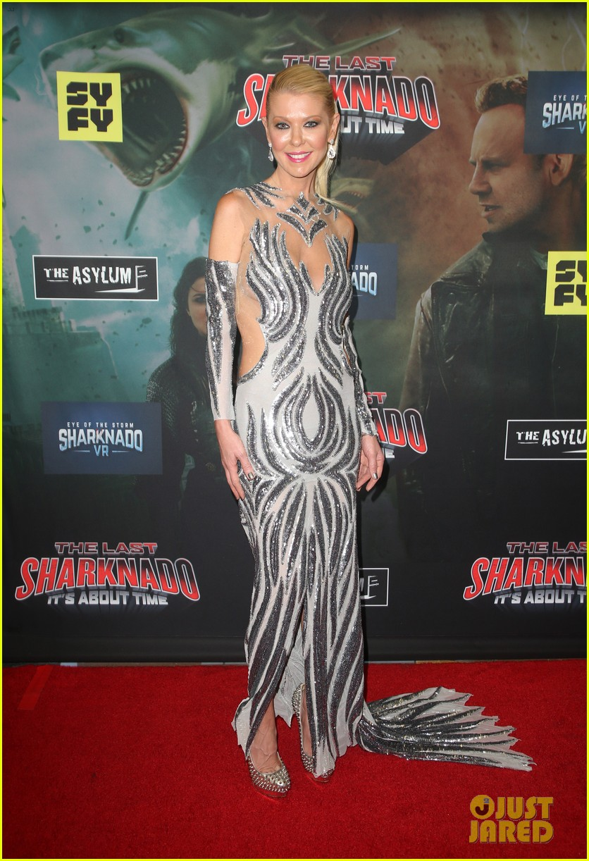 tara reid ian ziering hit red carpet for the last sharknado its about time premiere 124131146