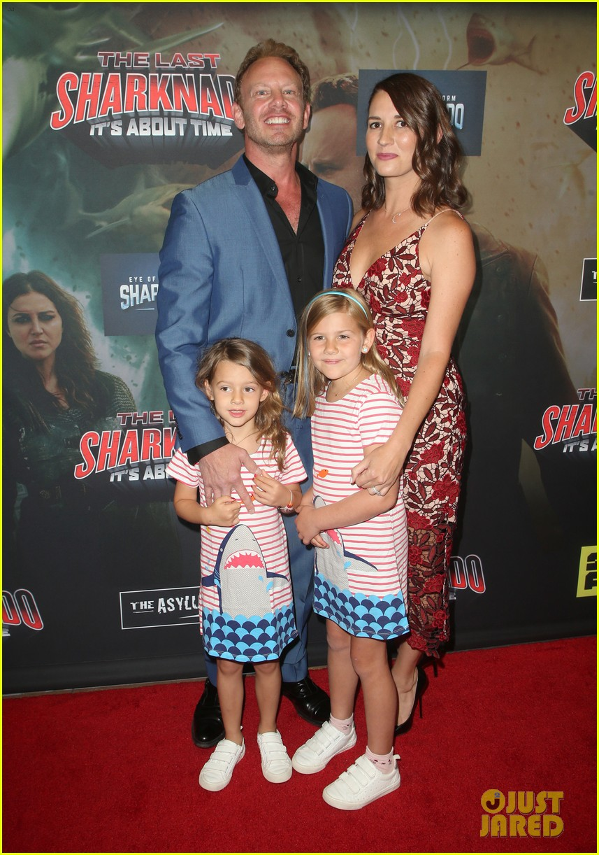 tara reid ian ziering hit red carpet for the last sharknado its about time premiere 184131152