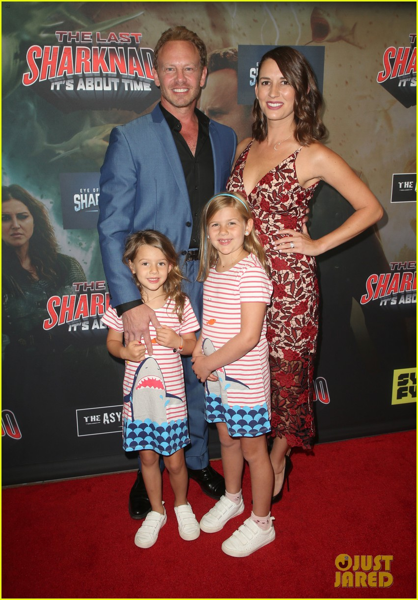 tara reid ian ziering hit red carpet for the last sharknado its about time premiere 214131155