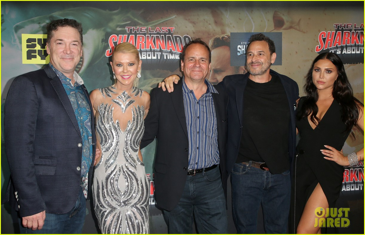 tara reid ian ziering hit red carpet for the last sharknado its about time premiere 224131156