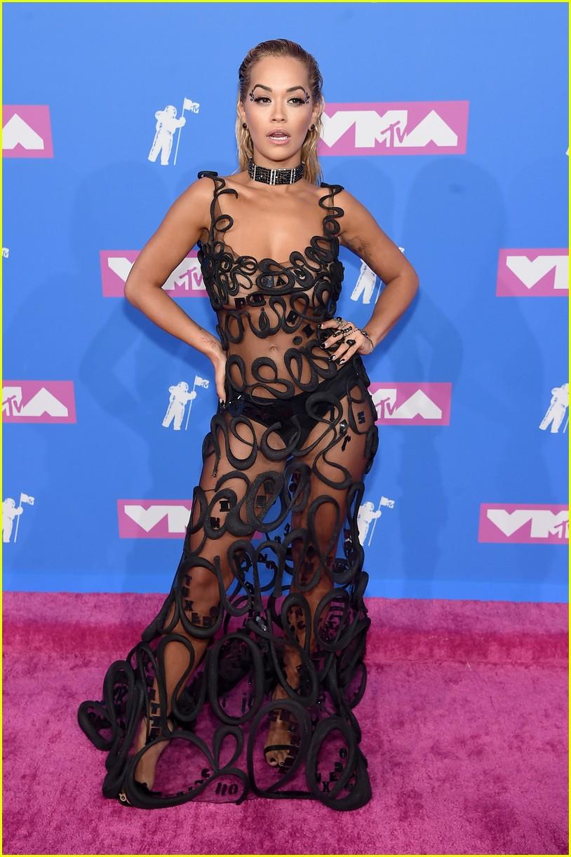 Rita Ora Rocks a Risque Look on the Red Carpet at MTV VMAs ...