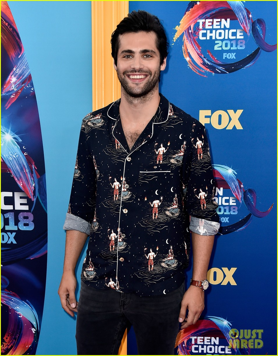 Shadowhunters' Cast Attends Teen Choice Awards 2018 After