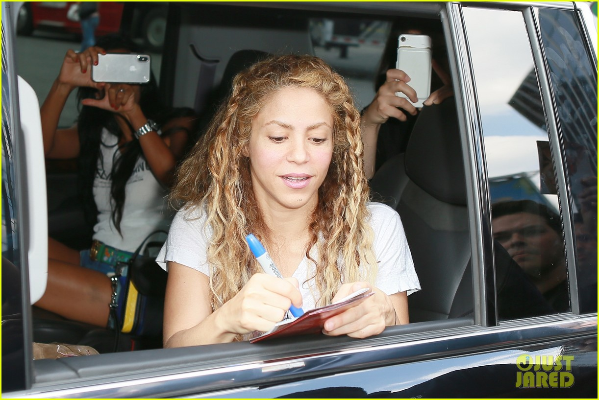 Shakira Is Ready To Rock Madison Square Garden In Nyc Photo 4127385 Shakira Pictures Just