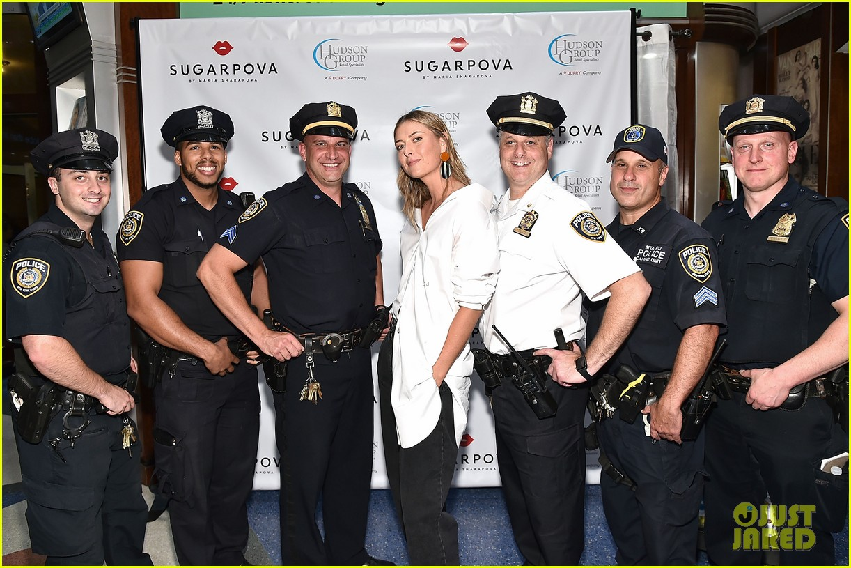 Maria Sharapova Celebrates Sugarpovas Hudson Group Agreement In Nyc