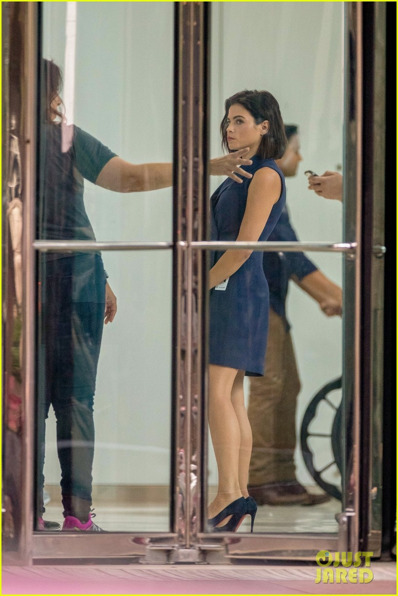 emily van cam matt czuchry jenna dewan film the resident season two 10