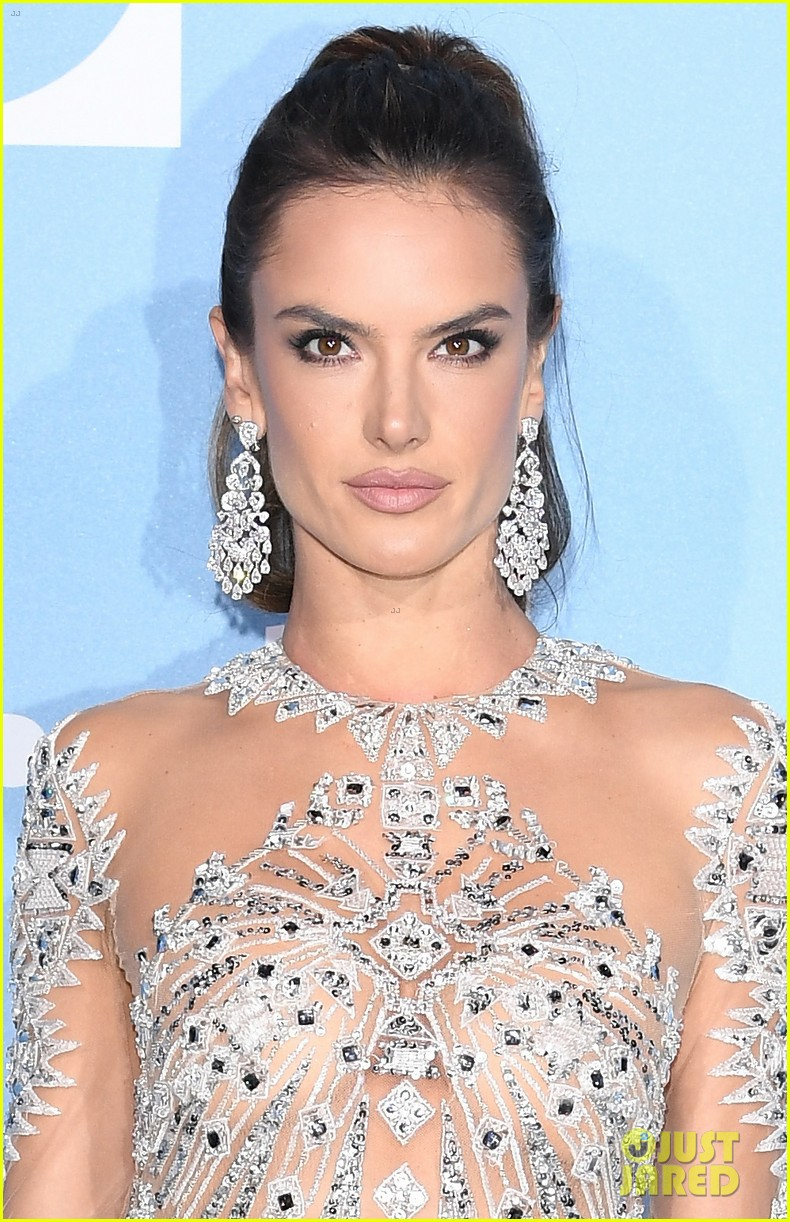 alessandra ambrosio robin thicke april love geary gala for global ocean 074154394