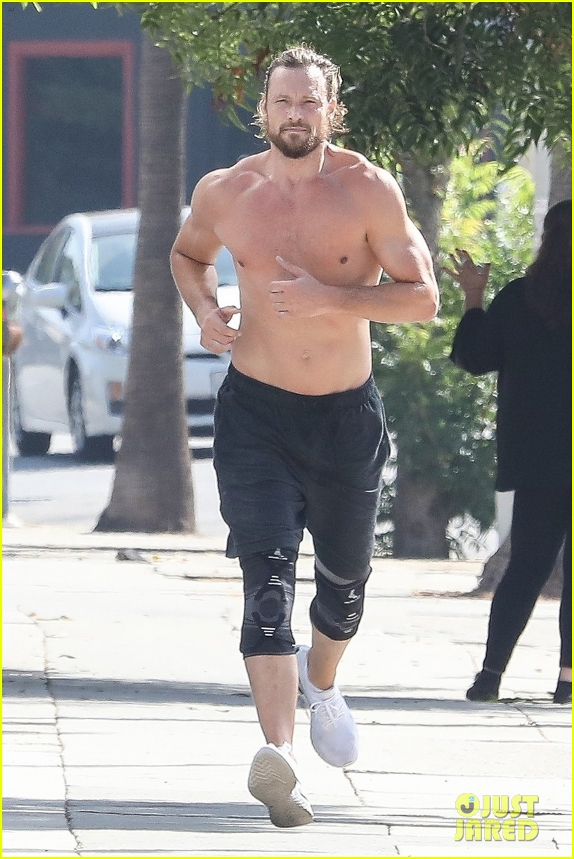 gabriel aubry bares ripped body in hot new shirtless photos 03