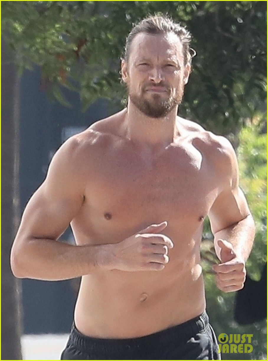 gabriel aubry bares ripped body in hot new shirtless photos 04