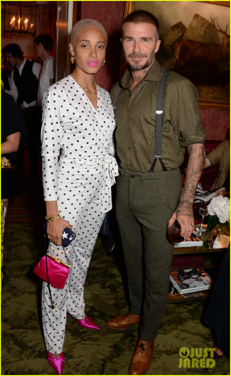 victoria beckham gets support from hubby david at 10th anniversary celebration 194148094